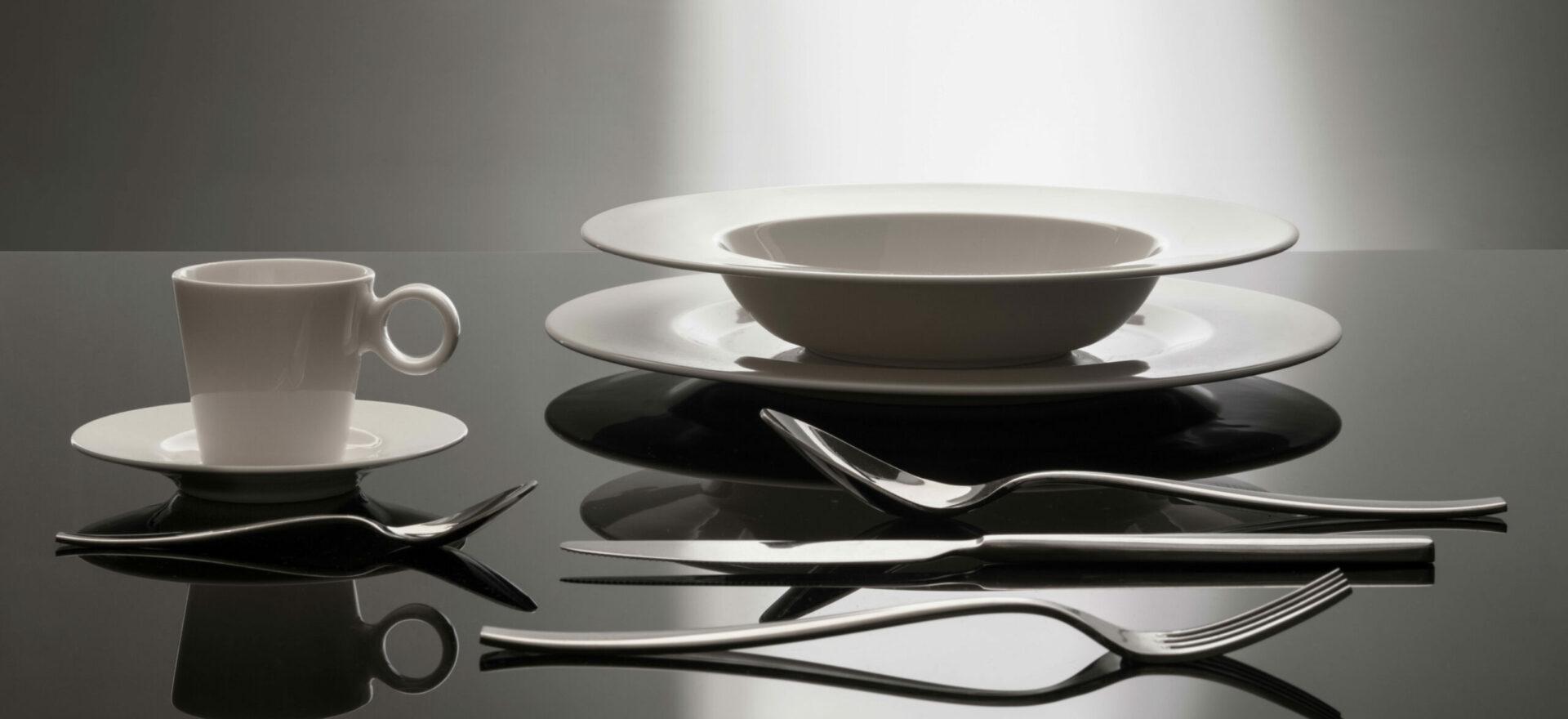 Product Design | Tableware Porcelain | Coop Italia| Mario Trimarchi Design | Fragile | Ph Santi Caleca